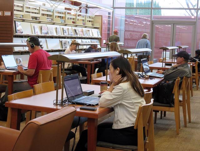 library-1697314_640.jpg